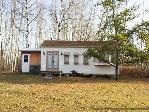 Affordable, Private Getaway Near Sandilands Trails in Marchand!