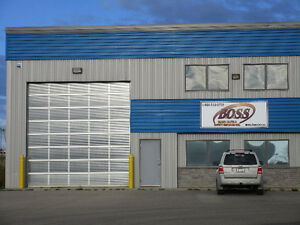 5000 SQFT Building for RENT with Drive Thru Bay