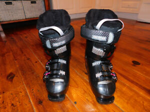ALPINA RUBY 60 DOWNHILL SKI BOOTS LADIES SHOE SIZE 6