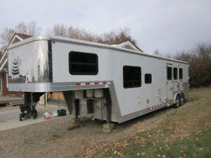 2009  Keifer Built Genesis 8133 3 Horse Trailer with 13' LQ