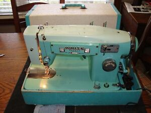 WHITE BRAND MODEL 463 SEWING MACHINE CIRCA 1960