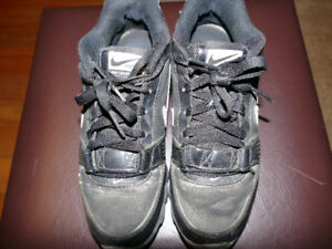 Nike Land Shark Legacy Football Shoes size 5