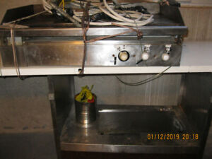 COMMERCIAL ELECTRIC GRILL, works good, sold business,only asking