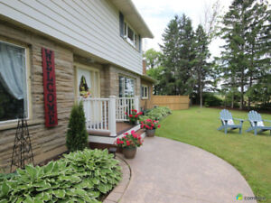 Beautiful Niagara Home with Inlaw Home Based Business Potential