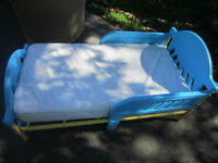 Plastic / Metal Frame toddler bed - Blue and yellow