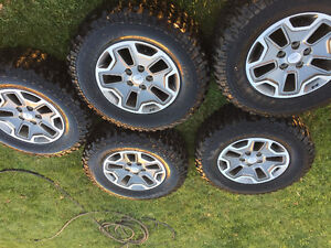 2014 Jeep Rubicon Tires and Rims 255/75/R17 Tires and Rims