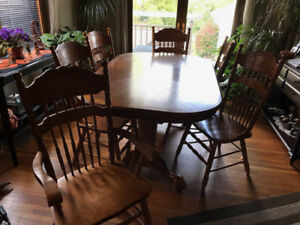 Oak Dining Table and 6 chairs $900 obo
