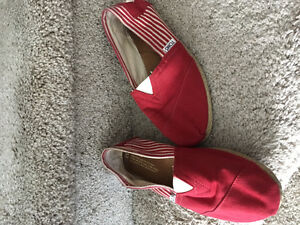 TOMS LADIES SHOES