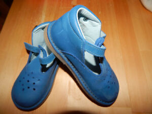 french Babyboys leather T-bar shoes size 8.5