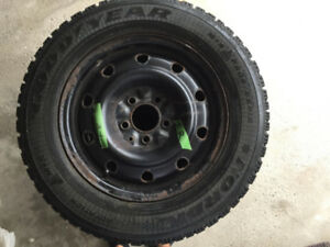 Winter Tires/Pneu d'hiver with Rims - P205/65R15 - used 1 winter