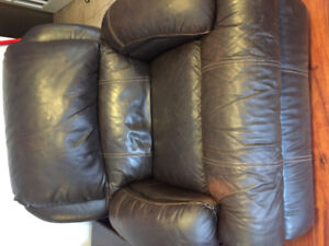 Lazy boy couch recliner set
