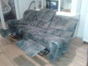 Elran sofa buy and sell furniture in ontario kijiji for Divan 3 places elran