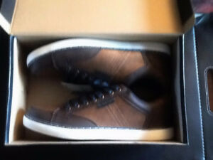 NEW GEORGE SHOES SIZE 9 WITH TAGS