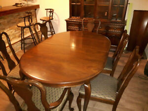 PRICE DROP !?!?! Gibbard Dining Table (Seats 6)