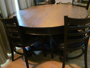 SOLID WOOD TABLE WITH OR WITHOUT 4 CHAIRS