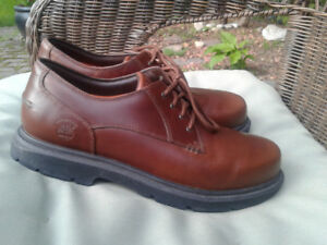 Mens Timberland boots, worn once. Great condition.