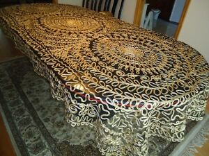 Beautifully Embroidered Dining Table Covers West Island Greater Montréal image 3