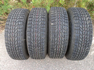 (4) 215/75R15 FIRESTONE WINTERFORCE ON RIMS (TIRES LIKE NEW)