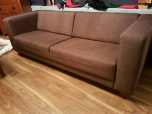 Eq3 3 Or A Couch Futon In Halifax Kijiji Clifieds