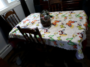 Dining table with 4 sets