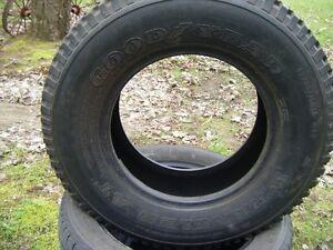 1 pneus 205-60-R15 Good Years