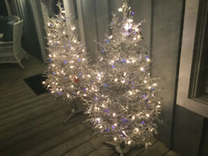 STUNNING SILVER TINSEL TREES WITH TWINKLE LIGHTS