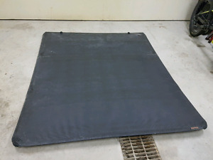 """GMC/Chevy Tonneau Cover - Short Box (6'6"""") - Will fit others"""
