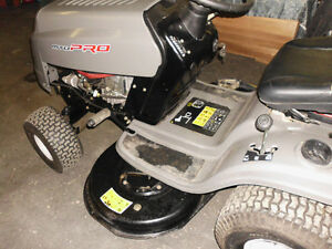 MTD PRO 2 years old new battery/serviced.42inch deck,