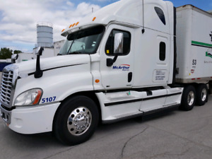 2012 freightliner cascadia with working apu and webasto
