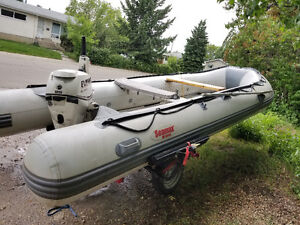 15,5 foot Seamax HD Inflatable Boat with Trailer +25 HP Evenrude