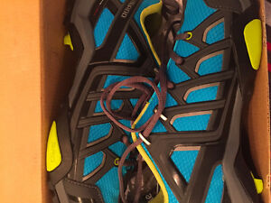 Brand New in box-Shimano MT34 Touring SPD shoes