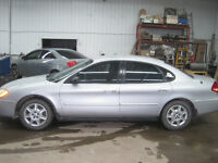 2007 Ford Taurus w/only 117,000 Km.