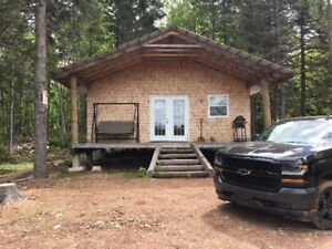 Beautiful Off Grid Lakefront Camp on Leased Land.
