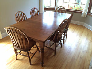 Pine harvest dining table with 6 chairs