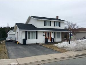 Great Family Home Backing On Waterford Valley River.
