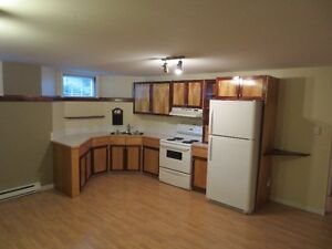 2 bedroom apartment available May 01