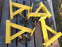 Engineered dump box jacks