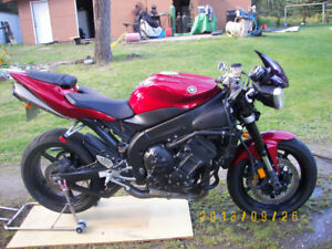 2004 Yamaha R1 Crotch Rocket, modified to Street Fighter