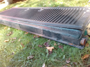 1994 f150 tailgate solid very little surface rust