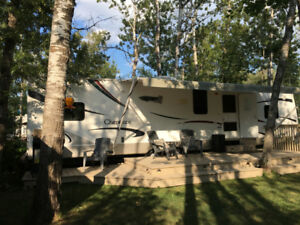 2008 Cherokee 38 ft. Destination Trailer