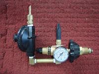 Regulateur de pression pour ballons helium