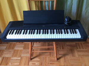 Digital piano / Piano électronique YAMAHA YPP-15