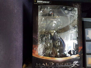 Halo Reach Play Arts Figure NEW SEALED Jun