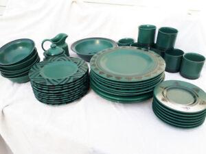 Pfaltzgraff dishes - stoneware dish set