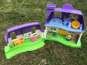 Mega Block, chaise musicale Fisher Price et maison Little People