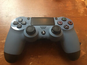 Selling 3 PS4 Controllers - $40 Each Peterborough Peterborough Area image 3