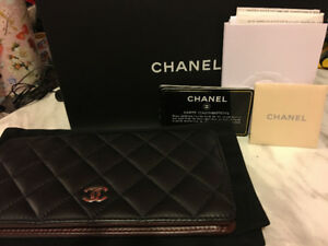 Selling Chanel Wallet for $950