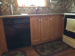 SOLID OAK KITCHEN COMPLETE WITH GRANITE COUNTERTOPS AND SINK