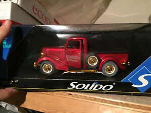 Custom Ford Pickup Truck Die Cast COLLECTABLE