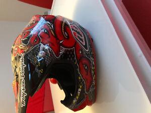 Casque motocross Troy Lee design